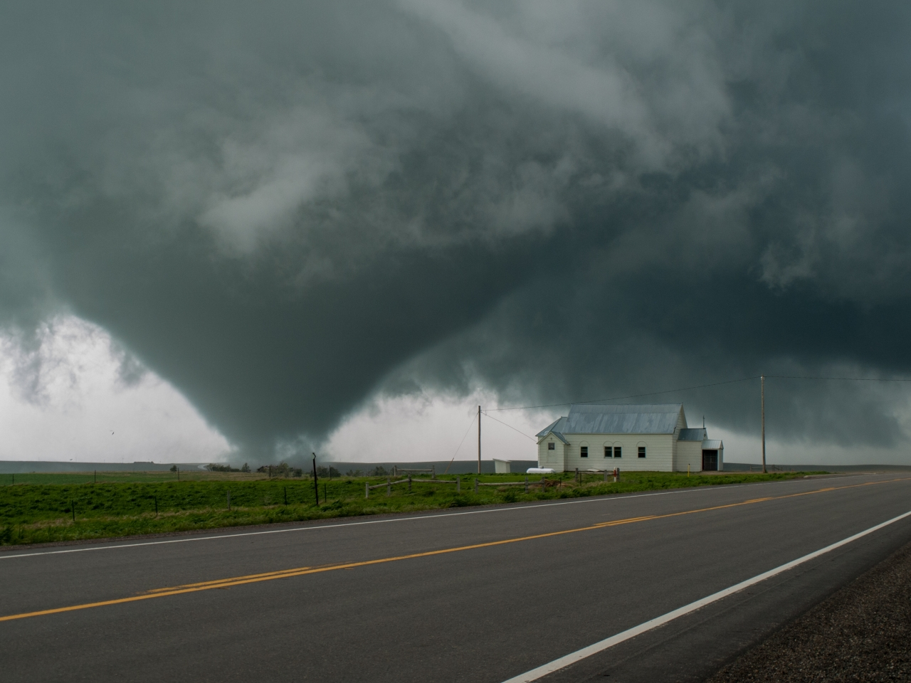 Tornado South Dakota.jpg